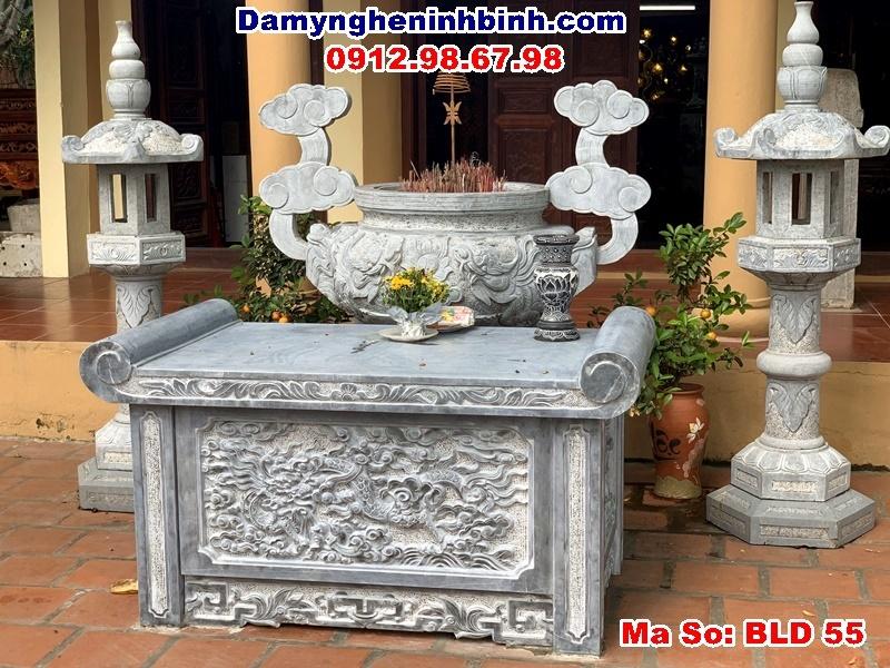 bàn lễ lư hương đá tại Lào Cai