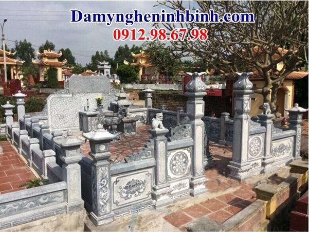 Cổng đá lăng mộ 49