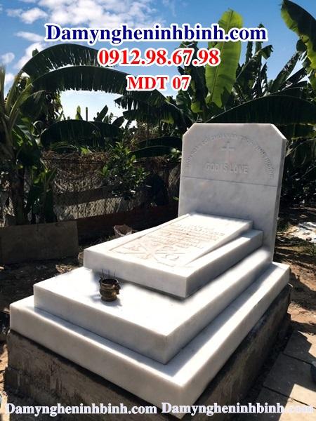 Mẫu lăng mộ đá trắng tam cấp quỳ hợp 07