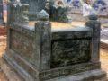 Mẫu mộ đá hậu bành xanh rêu NB 03