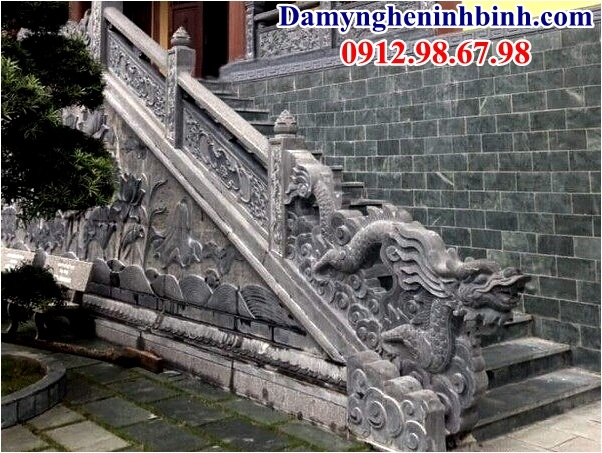 Rồng bậc thềm đình chùa