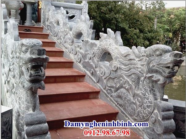 Rồng đá bậc thềm nhà thờ tổ 23