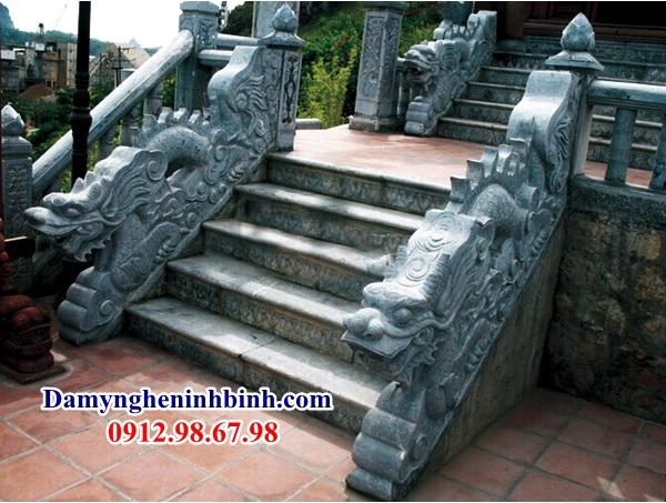 Rồng đá bậc thềm nhà thờ tổ