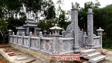 Bờ rào đá khu lăng mộ