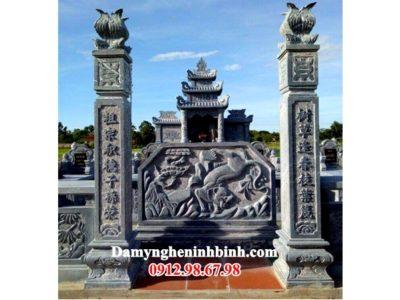 Câu đối cột cổng khu lăng mộ