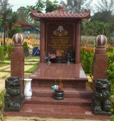 lăng mộ bằng đá granite