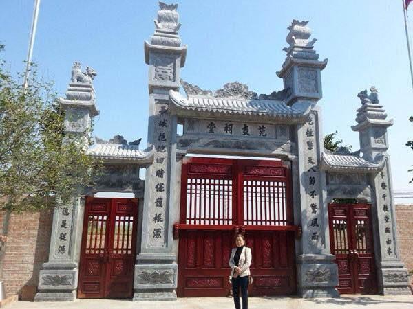 cổng tam quan bằng đá