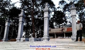 cột đồng trụ đá