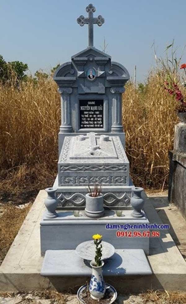 giá mộ đá công giáo