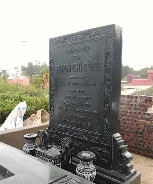 khắc bia mộ bằng đá