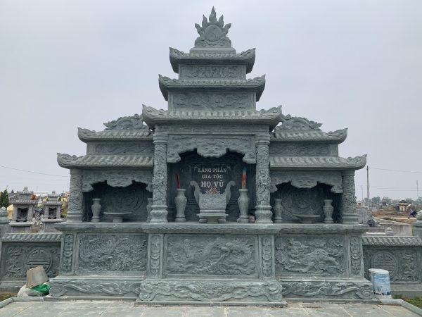 Lăng thờ chung đá xanh rêu nguyên khối
