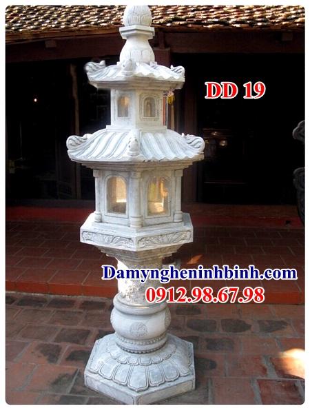 Mẫu đèn đá sân vườn 19