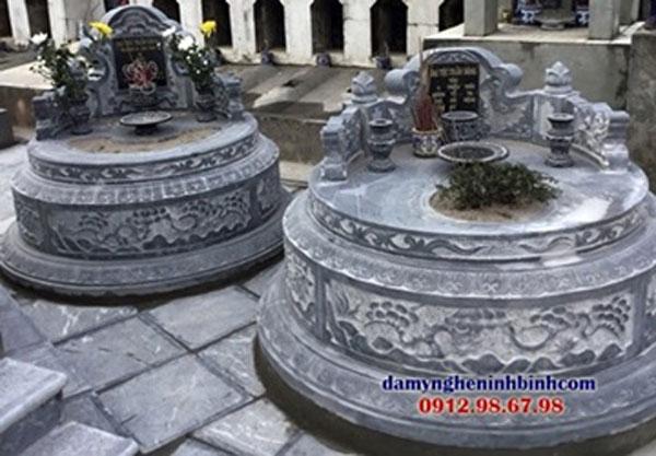 mộ bằng đá hình tròn