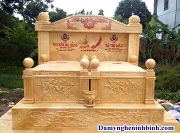 mộ đá vàng công giáo