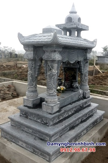 mộ mái vòm công giáo đá