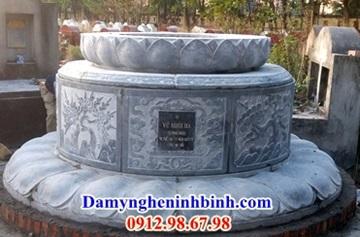 trạm khắc hoa văn trên mộ tròn đá