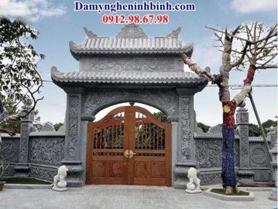 trụ cổng bằng đá
