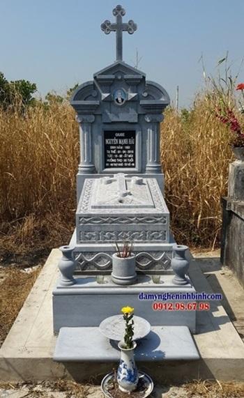 Ý nghĩa hoa văn mộ công giáo